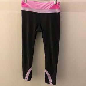Lululemon gray and pink crop legging, sz 4, 67848